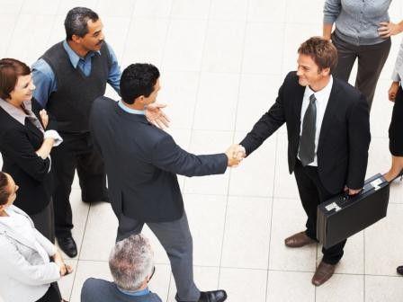 Ein gelungener Start in den neuen Job ist mit ein bißchen Vorbereitung gut machbar.