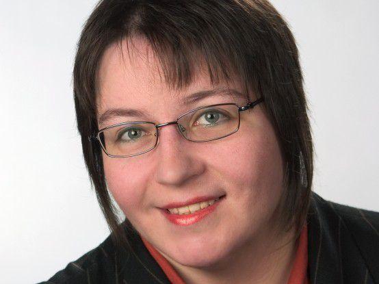 """Die Informatikerin Bettina Zastrow arbeitet seit über 20 Jahren als Technische Autorin. Sie ist Inhaberin der Zastrow information development GmbH und Autorin des """"Fachwörterbuchs für die Software-Dokumentation""""."""