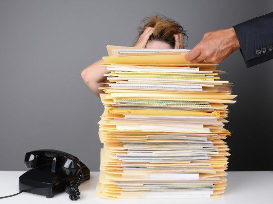 Immer mehr Arbeit, ohne Überstunden geht es für viele Projektmitarbeiter nicht.