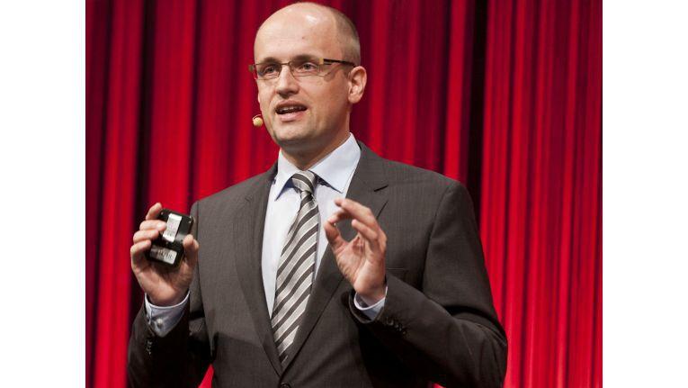 Lars Kroll sieht Cloud-Lösungen als möglichen Ansatzpunkt für günstigere IT-Sicherheit.