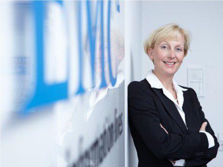 """""""IT-Mitarbeiter müssen anfangen, in Services zu denken."""" Sabine Bendiek, EMC Deutschland"""