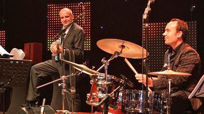 """Musik ist sein zweites Standbein: BHC-CIO Matthias Moritz (links) beim Event """"CIO des Jahres"""""""