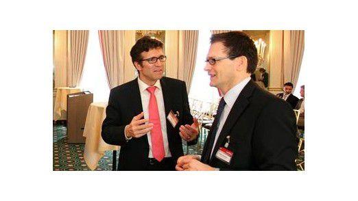 Daimler-CIO Michael Gorriz (links) im GEspräch mit Rainer Kammer, CIO der Saacke GmbH.
