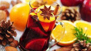 Stilvoll schreiben, schenken, feiern: Knigge-Tipps zur Weihnachtszeit - Foto: Printemps - Fotolia.com