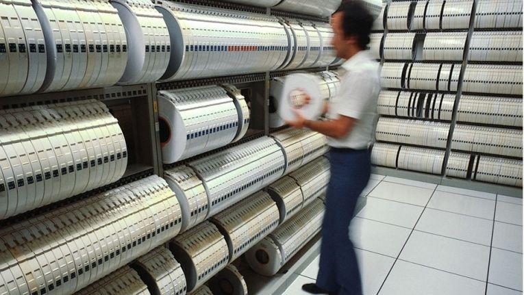 Viele stellen sich ein Archiv mit Magnetbändern immer noch so wie hier im Bild vor, ...