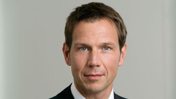 Telekom-Chef René Obermann kritisiert die großen Onlinefirmen scharf.