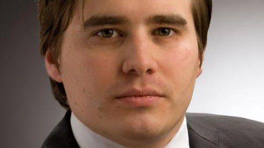 """Rechtsanwalt Dr. Sebastian Kraska von der IITR GmbH, widmet sich dem Thema """"eCommerce und Datenschutz: Wie Sie mit Kundendaten in Webshops umgehen sollten"""""""