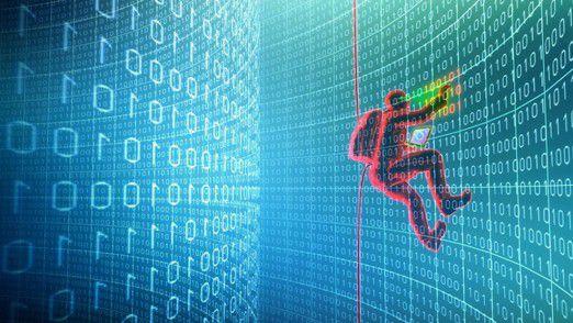 Ein Eindringling saugt unbemerkt Informationen ab - nur digitale Forensiker kommen ihm auf die Schliche.