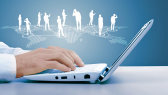 Mit Groupware in die Cloud umziehen: Risiken beim Umstieg und mögliche Lösungsstrategien - Foto: Sergey Nivens, Shutterstock.com