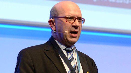 Riccardo Sperrle, CIO beim Lebensmitteleinzelhändler Kaiser's Tengelmann, auf den Hamburger IT-Strategietagen.