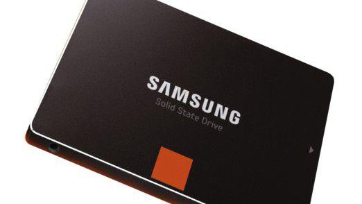 Auch eine Möglichkeit, den Geschwindigkeitsschub durch eine SSD optisch darzustellen. Samsung ist mit der Serie SSD 840 einer der ersten Anbieter von SSDs vom Typ TLC. In der Pro-Variante sind bis zu 512 GB drin.