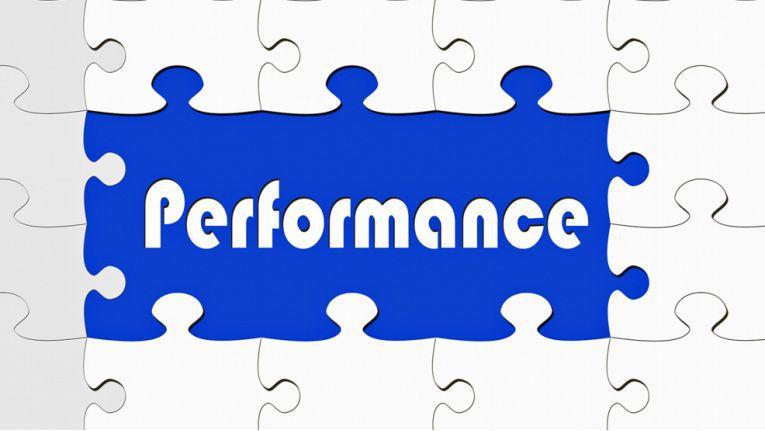 Mit der Koppelung mehrerer SSDs lässt sich deren ohnehin hohe Performance weiter steigern.