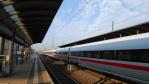Über den Umgang mit Menschen: Neulich … im Zug zur CeBIT - Foto: Thomas Otto - Fotolia.com