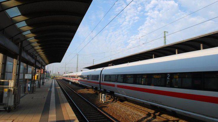 Das Problem bei Zugfahrten: Sitzt man erst mal drin, ist man seinen Mitreisenden auf Gedeih und Verderb ausgeliefert...