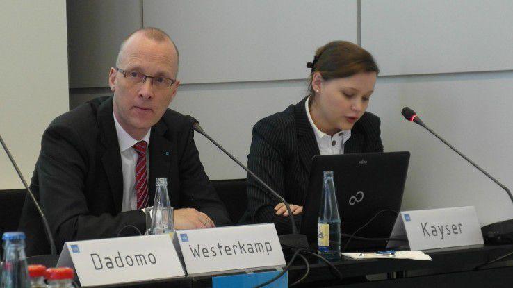 Dieter Westerkamp (links): Mit dem Offshoring verliert der Standort Deutschland Wertschöpfung.