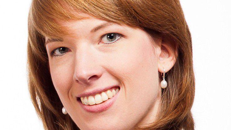 Tina Werner, Personalchefin von Invensity, empfiehlt, zunächst praktische Erfahrungen zu sammeln, bevor man eine Promotion beginnt.