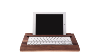 Gadget des Tages: Woody's iPadTray - Holz für's Tablet