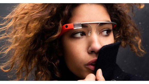 Noch sind Wearable Devices wie Google Glass nicht sehr weit verbreitet.