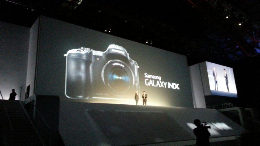 Samsung Galaxy NX: Kamera mit Wechselobjektiven, Android und LTE.