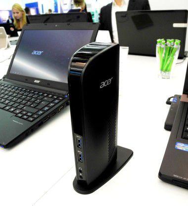 Viele Slimline-Laptops haben aus Platzgründen keinen klassischen Docking-Port-Connector an der Bodenseite. Hier hilft die Plugable USB 3.0 Docking Station von Acer. Sie braucht weniger Stellfläche als eine klassische Docking-Lösung und lässt sich via USB-Kabel an das Mobile Device ankoppeln.