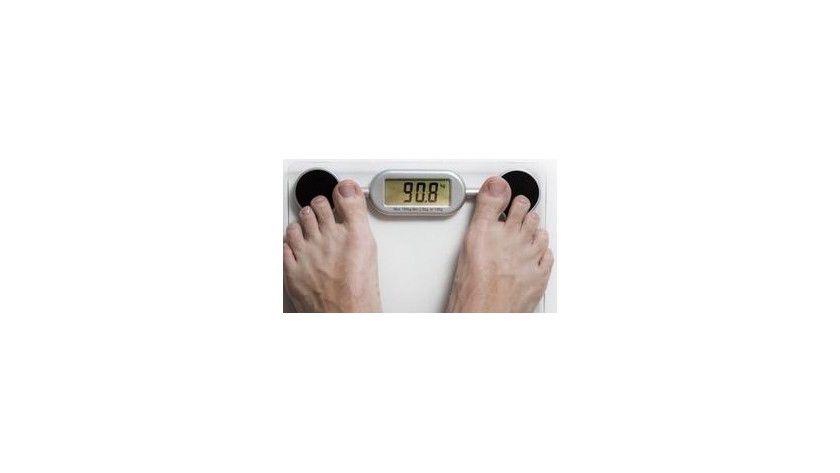 Guten Appetit! Im Gegensatz zu Frauen verdienen Männer am meisten bei einem BMI von 23 bis weit in den übergewichtigen Bereich, während Untergewichtige mit einem Lohnabschlag von bis zu acht Prozent rechnen müssen.