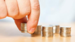 Personalchefs empfehlen: Gehaltsverhandlung - nicht zu tief stapeln - Foto: xalanx - Fotolia.com