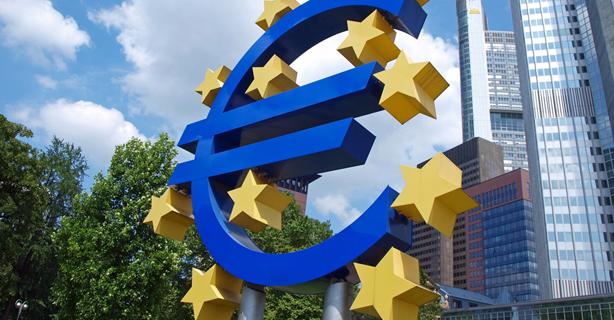 Antworten auf wichtige Fragen: Eurokrise - Rechtzeitig die Weichen stellen - Foto: Jan Wowra, Frankfurt, Fotolia.com