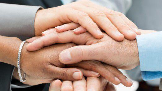 Gerade ein ERP-Projekt gelingt nur, wenn alle Hand in Hand arbeiten.