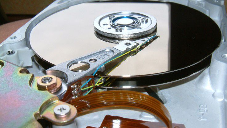 Für den normalen Anwender in Firmen ist es nicht relevant, ob seine Daten mittels forensischen Methoden wiederhergestellt werden können – doch ob seine Daten auch mit einfachen Mitteln noch zu finden sind, wenn ein PC oder eine Festplatte verkauft beziehungsweise entsorgt werden, ist sicher wichtig.