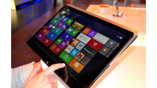 Der Sony VAIO SV F15N1 Z2EB ist ein typischer Klapp-Convertible, der sich je nach Bedarf als Tablet oder als Laptop nutzen lässt.