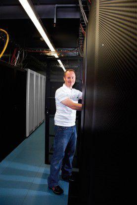 Redundanz durch Kopplung der Systeme im internen und im externen Rechenzentrum sorgt für Ausfallsicherheit.