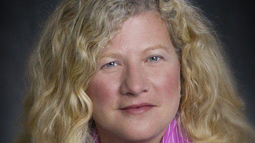 Kim Hammonds wird 2016 neue COO im Vorstand der Deutschen Bank und löst Henry Ritchotte ab.