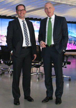 Jürgen Kohr (links), Leiter der Business Unit Cybersecurity bei T-Systems und Stefan Herrlich, Geschäftsführer Lancom Systems bei der Pressevorstellung von Clean Pipe in München.