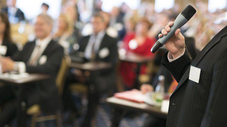 Eine tiefere Stimme kann das Gehalt und den Karriereverlauf bei Männern positiv beeinflussen.