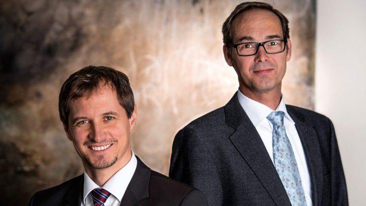 """Christian Kamm (links) und Bernd Schlüter, QAware: """"Uns begeistert es, mit klar programmierten Lösungen Komplexität zu reduzieren."""""""