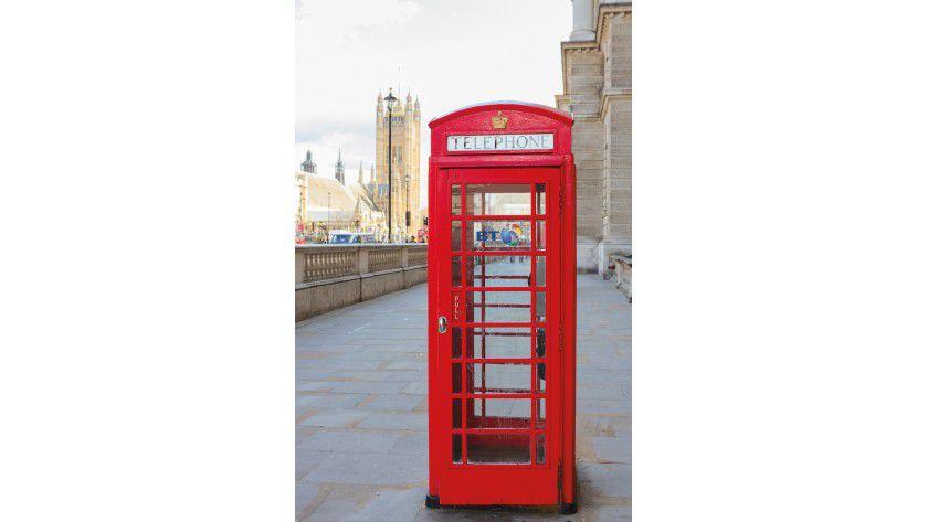 Very british gibt sich BT auf der CeBIT. Der Carrier hat eine traditionelle rote Telefonzelle im Gepäck.