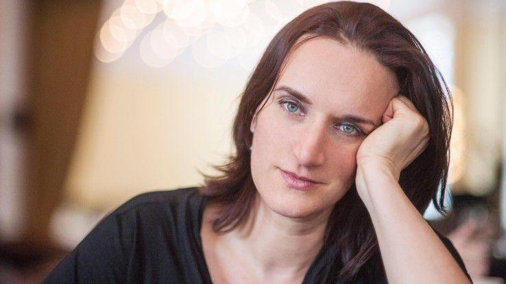 Ihr Held ist ein Informatiker Mitte 40, der in eine existenzielle Krise stürzt: Schriftstellerin Terézia Mora arbeitet derzeit an ihrem dritten Roman aus der Welt der IT.