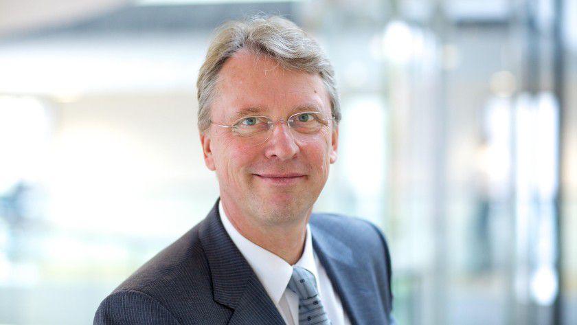 """HPI-Institutsdirektor Christoph Meinel: """"Mit den MOOCs lässt sich die soziale Komponente des Lernens einbeziehen."""""""