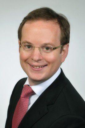 Autor Dr. Christoph Ritzer ist Rechtsanwalt und Of Counsel der internationalen Wirtschaftskanzlei Norton Rose Fulbrigth in Frankfurt. Er ist seit vielen Jahren auf das Datenschutz- und IT-Recht spezialisiert.