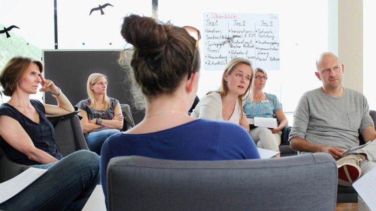 Kreativität durch Teamarbeit: Marc O'Polo bietet seinen Mitarbeitern seit 2013 eine digitale Plattform für das Einreichen und den Transfer neuer Ideen: die Marc O'Polo Idea Factory, die Teil des Innovations-Managements ist.
