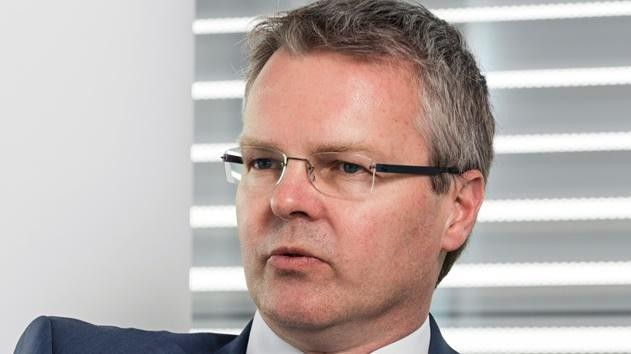 """Thomas Birle Head of HR Consulting, Munich Re: """"Ich kann meine Mitarbeiter kaum zwingen, in einer Welt von Touch-Displays weiter auf Tasten zu tippen – das geht nicht lange gut."""""""