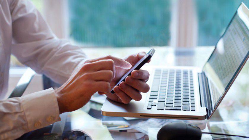 Mobiles Arbeiten ist für die Nutzer sehr angenehm, IT-Chefs stellt es vor Herausforderungen.