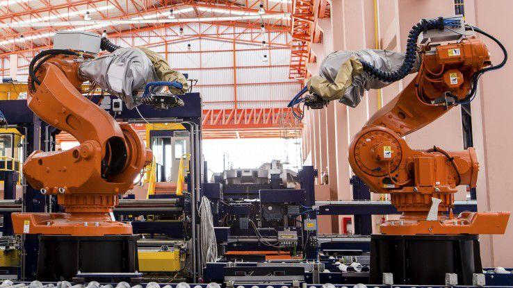 Die Digitalisierung der Fertigung kostet Arbeitsplätze, schafft aber auch neue, zumeist anspruchsvollere.