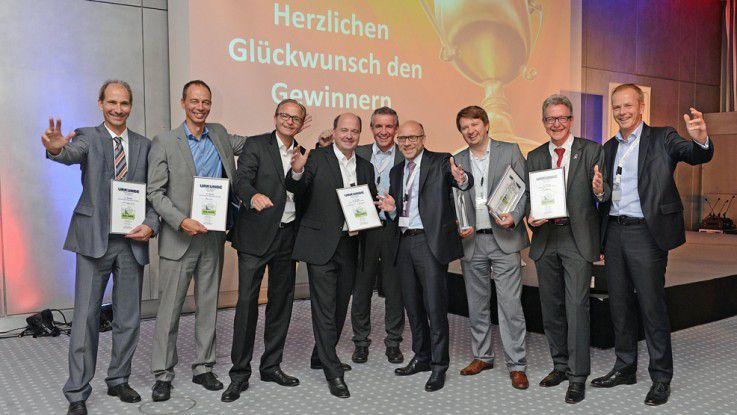 Die Vorjahressieger: Vlnr: Ulrich Pfeiffer (Hewlett-Packard), Norbert Pillmayer (Norcom), Ulrich Zeh (Nexthink), Christian Müller (Consulting4IT), Matthias Schmidt (Festo), Michael Beilfuß (IDG Business Media GmbH), Victor Schlegel (Swisscom), Thomas Latzel (T-Systems), Christian Wirth (T-Systems)
