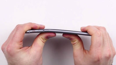 #Bentgate: Apple tauscht betroffene iPhone 6 Plus gratis aus - Foto: Screenshot Unbox Therapy