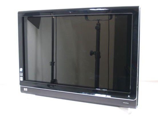 Das 25,5-Zoll Touchscreen-Display hat eine spiegelnde Oberfläche.