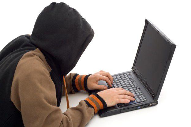 Hacker greifen meistens über Botnets an. Das Mariposa-Botnet griff über die Hälfte der größten US-Unternehmen an.