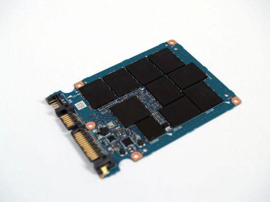 Der SATA-Controller und die Flashspeicher-Chips der Kingston SSD Now V+ SNVP325-S2 stammen von Toshiba