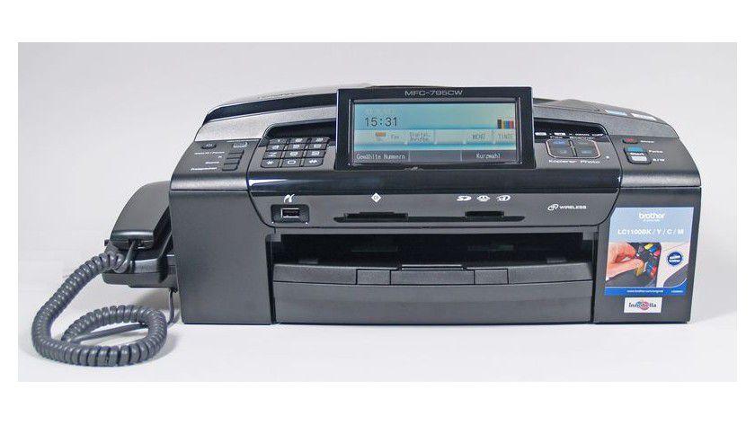 Kompakte Einheit: Das Multifunktionsgerät ist für den Einsatz in kleinen Büros ausgelegt.