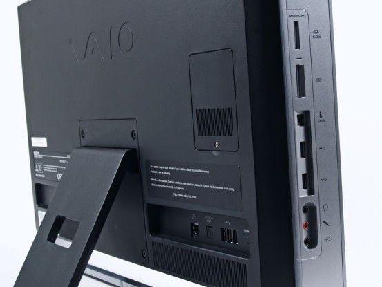 seitliche Anschlüsse des Sony Vaio VPC-L11M1E/S